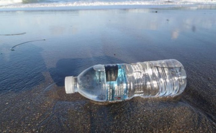 Keep this plastic too out of the ocean